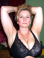 hot wife selfshot pics