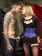 Gorgeous dominatrix Mona Wales returns to Divine Bitches taunting Ruckus for his incessant...