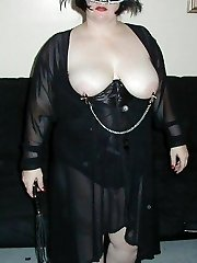 Masked amateur big butt BBW in lace and corset