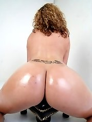 Big booty babe bounces her monster ass on some dick!