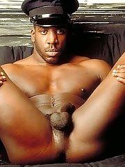 Macho gay showing off his buffed body