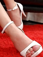 Hot babes have foot fetish sex
