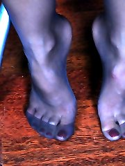 Pantyhose clad teaser dangles her shoe and gets to self-sucking performance