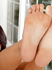 Gina Valentina has her boyfriend come home and suck her feet. She gives him the most epic...