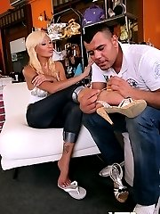 Beautifull ass perfect titts long leg sarbrina rose gets pounded hard after trying on some shoes...