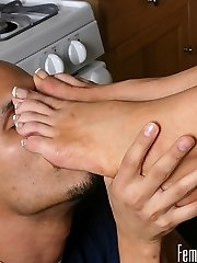 Summer heads to see an expensive loft, but notices the real estate agent checking out her soles. She attempts to convince him to lower the rent price by letting him idolize her feet. He gets to eat and gargle her pedicured toes as long as he lowers her rent.