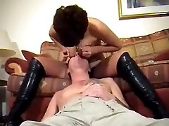 Very hot babe makes a guy lick her pussy