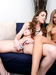 Kinky Kayla is throwing is throwing a sex toy party and youre invited. CUM on in for a sneak...