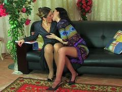 Eager for lesbo kisses girl makes older gal drunk and ready for tongue job