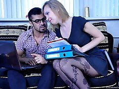 Smart secretary in gorgeous fashion pantyhose fucked after some paper work