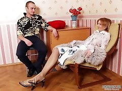 Cock-deepthroating chick in nylon tights throating intense cock of her next-door guy