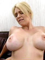 Sexy slutty mom knows what she wants from the office boy and gets it