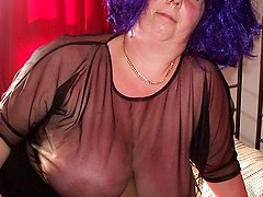 Big titted mature slut showing a thing or two