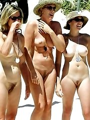 amateur exhibitionists flashing in public