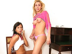 Sultry shemale and hot gal surrender to mind-blowing pussy-splitting action