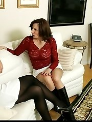Mature and young lesbian sex