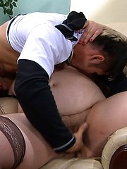 Sex-crazy guy fingering mature babes meaty muff before impaling it hard