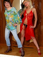 Porking looking stunner welcomes a sissy with her ready for action string-on