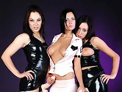 Threesome with two strapons and lots of latex!