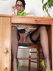 Teasing looking up secretaries skirt, nylons and no panties!