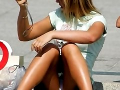 Upskirt oops amateur girls didnt know about cam shooting