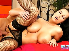 Laura Lion gets her pussy fucked deep and her melons jizzled