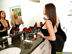 Watch bignaturals scene lady lovers featuring stevie knicks browse free pics of stevie knicks from the lady lovers porn video now