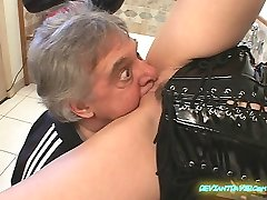Big Breasted domme. This has some nasty clips, including facefarting.