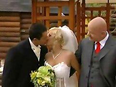 Eine Hochzeit mit Orgie
