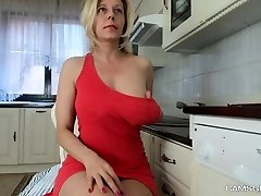Brilliant Light-haired Camslut Will Make You A Bonner