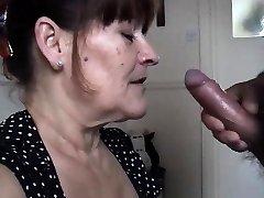 Mature wifey takes a big oral cream pied