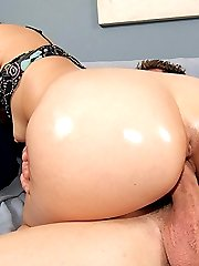 Bubble butted brunette with small tits getting laid
