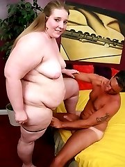 Sex starved bbw Jessie gets hard balling in her cunt by grinding on top of a huge cock