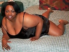 Busty black amateur Bbw is naked now for you