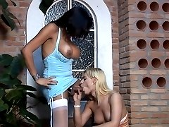 Sizzling hot dick-girl preparing the shemale�s cock for a deep penetration