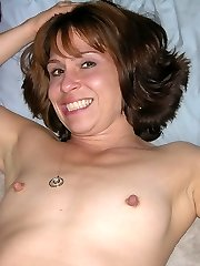 Skinny Mature Housewife Spreading Legs And Showing Tiny Tits - Sage