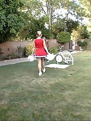 hot cheer girl with big apple booty