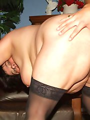 Mature plumper Leslie gives head before she gets bent over to take cock thrusting in her box