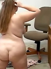Huge Ass Hotty Fat Chick Masturbates on Online Chat