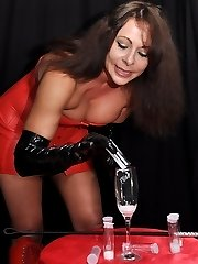 Dominatrix Carly makes her victim produce some scorching cum and then pours it down his mouth.
