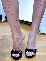 Blonde teaser in patterned hose and high heels licks and shows off her feet