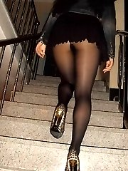 Candid pics of girls in pantyhose