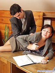 Freaky secretary surrenders to mind-blowing sex without taking off tights