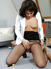 Sizzling hot secretary in black pantyhose getting nailed right on the floor
