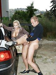 Public shagging in the car
