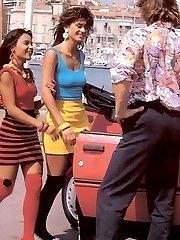 Really hot retro threesome