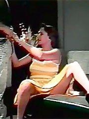 Retro housewife sucks dick