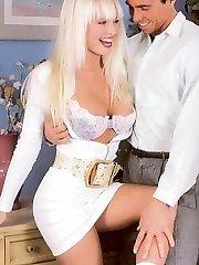 Horny retro blonde banged
