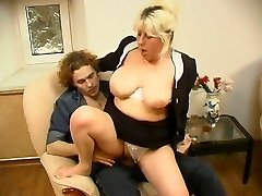 Chubby mom having years of fucking experience and now aching for young cock