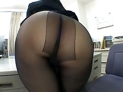 One of the hottest panty hosepipe worship sequences EVER!